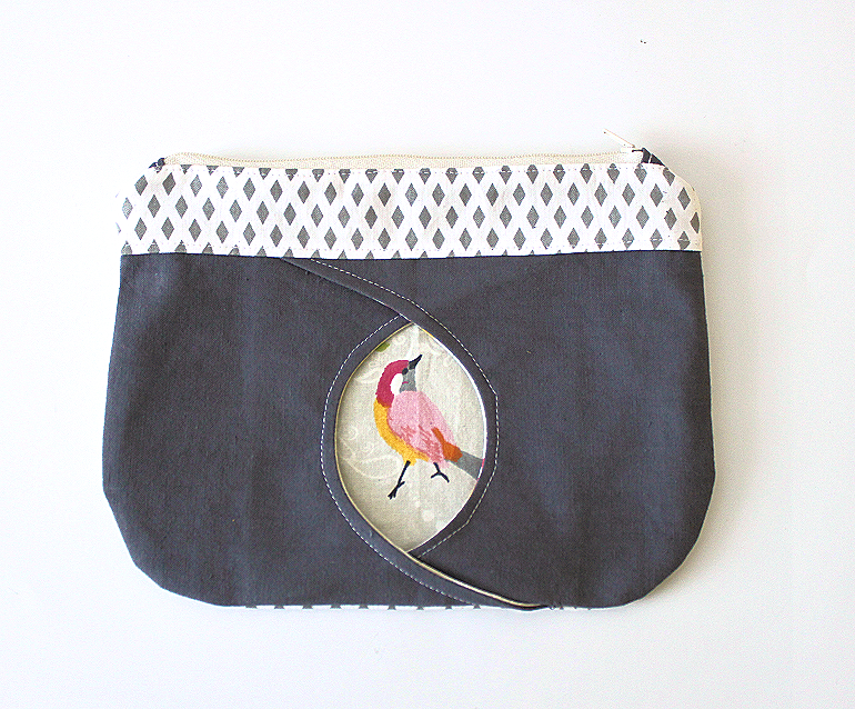 cat eye zippered pouch tasche